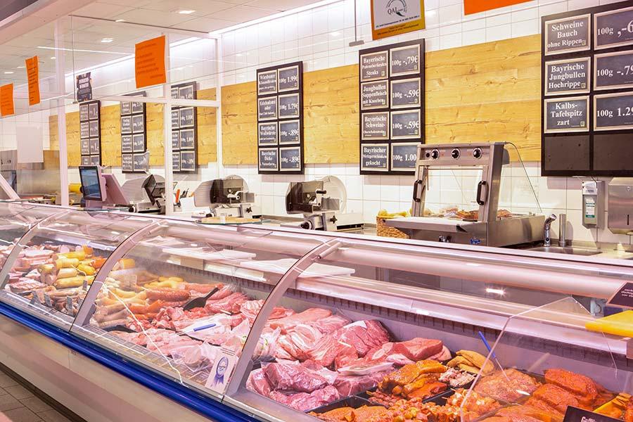 Fleisch von der Frischetheke im EDEKA in Buchbach
